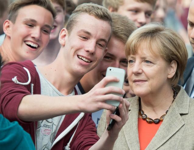 Das selfie (CREDIT: AP PHOTO/MICHAEL PROBST)